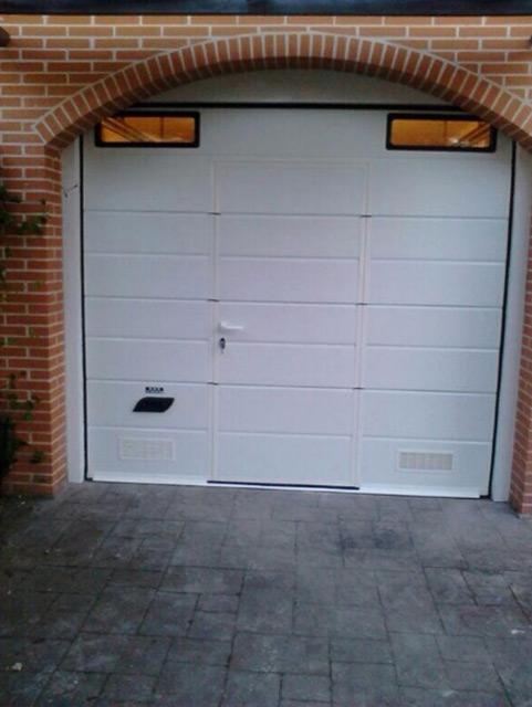 Puertas autom ticas g h salamanca calle de fray luis for Puertas salamanca